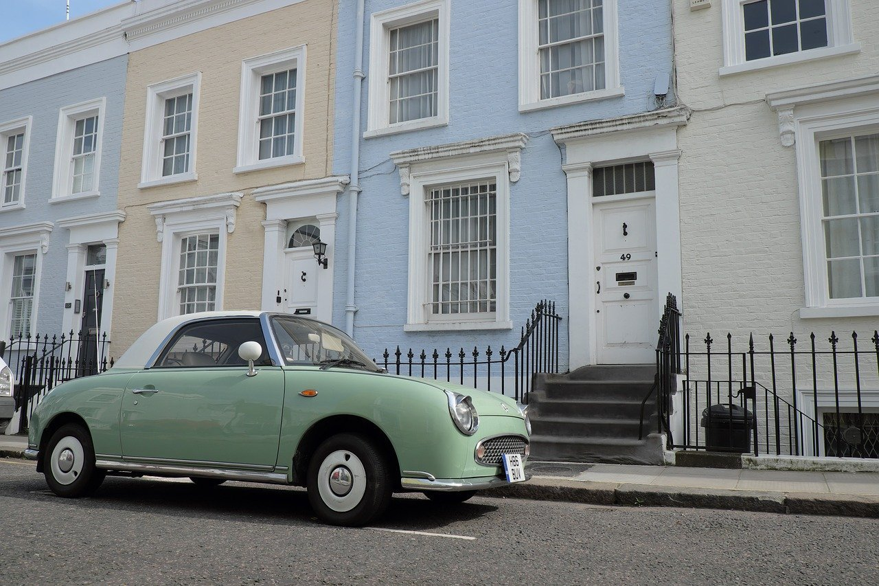 car outside a london home